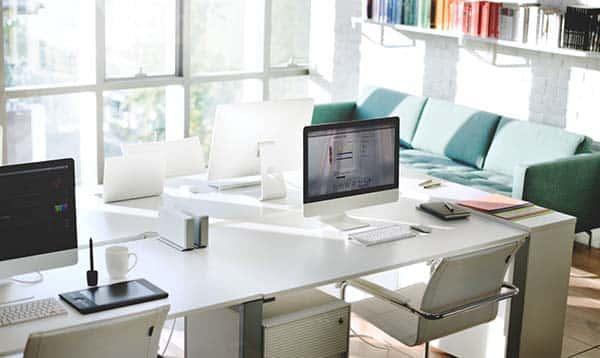 การเลือกขนาดเเละรูปทรงของโต๊ะทำงาน